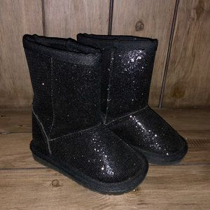 Children's Place Ugg Style Shiny Boots - Size 4
